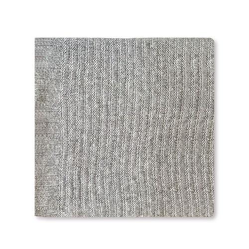 Manta tejida gris